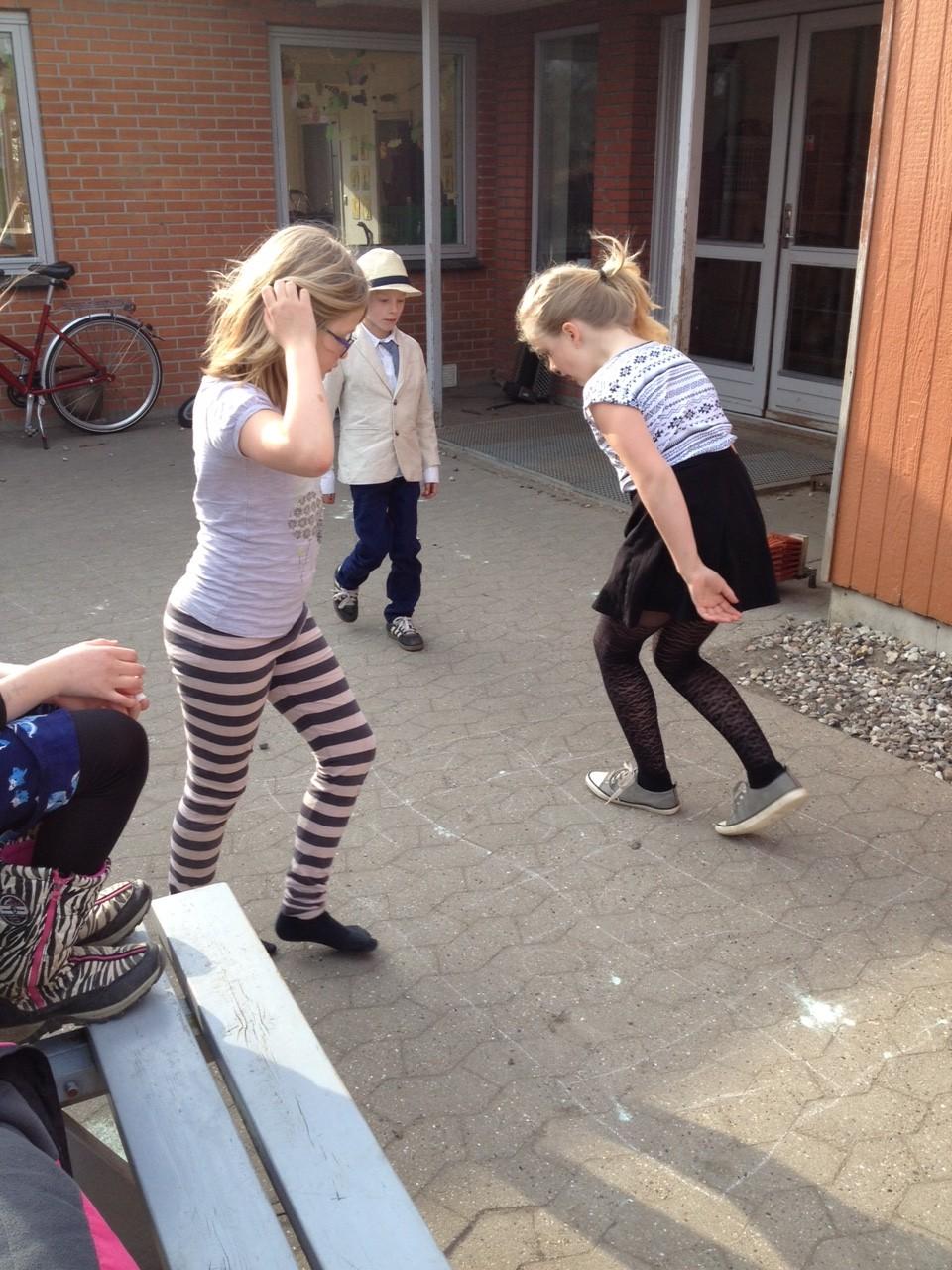 piger der leger