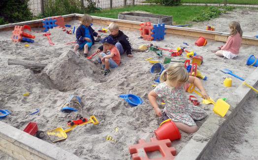 børn_i_sandkassen