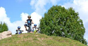 Drenge på cykel